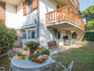 4 bedroom Villa in Marina Romea, Emilia-Romagna, Italy : ref 5537680