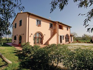 4 bedroom Villa in La Gronchia, Tuscany, Italy : ref 5532680