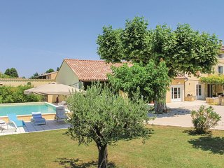 4 bedroom Villa in Monteux, Provence-Alpes-Cote d'Azur, France : ref 5537741