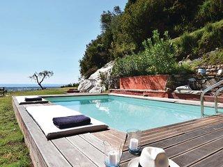 3 bedroom Villa in Capanne-Prato-Cinquale, Tuscany, Italy : ref 5532681