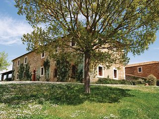 2 bedroom Apartment in Bagno Vignoni, Tuscany, Italy : ref 5536580