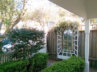 Cosy Cammeray - Home away from home (House)