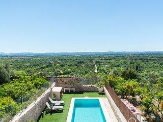 OFERTA LANZAMIENTO. Casa con piscina y espectaculares vistas