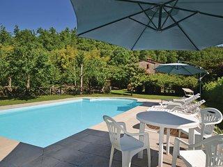 3 bedroom Villa in Casalvescovo, Tuscany, Italy : ref 5532920