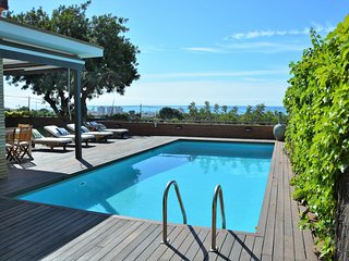 Luxuary Villa Sitges Santa Barbara. Beach 10 minutes walking. Amaizing View.