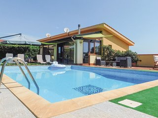 2 bedroom Villa in Sant'Onofrio, Sicily, Italy - 5535609