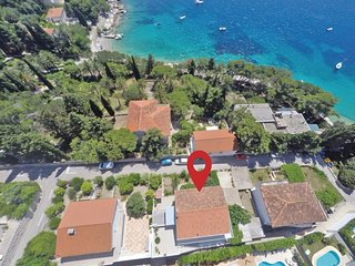 2 bedroom Apartment in Hvar, Splitsko-Dalmatinska Županija, Croatia : ref 556256