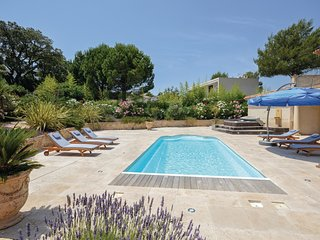 4 bedroom Villa in Boulouris-sur-Mer, Provence-Alpes-Cote d'Azur, France : ref 5