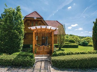 2 bedroom Villa in Križanče, Varaždinska Županija, Croatia : ref 5535342