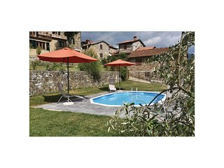 3 bedroom Villa in Sant'Anna, Tuscany, Italy - 5537252