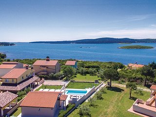 2 bedroom Villa in Medulin, Istria, Croatia : ref 5535597