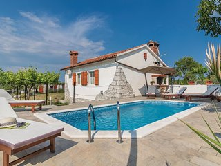 2 bedroom Villa in Kunj, Istria, Croatia : ref 5564416
