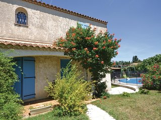 4 bedroom Villa in Camaret-sur-Aigues, Provence-Alpes-Cote d'Azur, France : ref