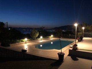 la villa d'Hermes: 4 chambres-terrasses, piscine, vue mer, 800m de la plage