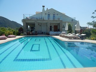 Villa Angel - 4 Bed Luxury Villa With Private Pool, Free airport transfer