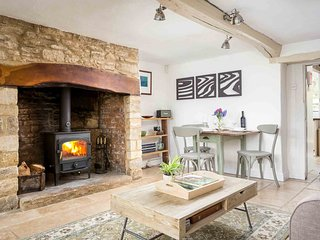 Foxcote Cottage is a stylish, Cotswold stone cottage, located in a lovely hamlet