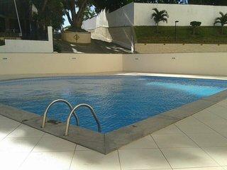 Bem Vindo a Salvador! Apartamento com piscina, varanda e excelente localização!
