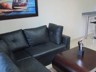 Two bedroom balcony AC, Hot tub, Wifi Parque Poblado APT 202