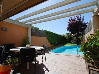 House with garden and swimming pool in Premia de Mar