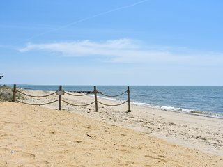 #610:  2-min walk to Nantucket Sound beach, 5min drive to Harwichport or Chatham