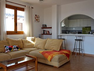 Very Large 2 Bed Apt on Villamatin Plaza, Great Food, Beaches, Golf & More
