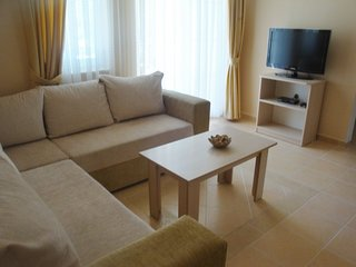 Lovely central Hisarönü holiday apartment with 2 shared pools.