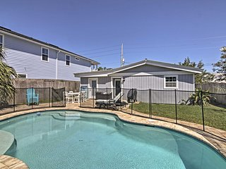 Jacksonville Beach Home w/Pool - Walk to Ocean!