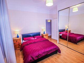 Spacious 1 bed apartment 3min from Westfield shopping centre