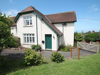 Coach House, Old Cleeve - Converted former Coach House sleeps up to 4 guests