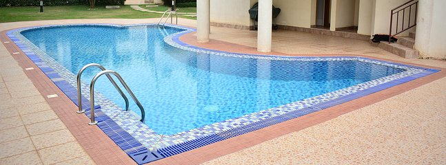 Miracle House by the Lake and Pool in Kampala