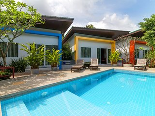 Modern 1 Bedroom & Pool, Quiet Area A