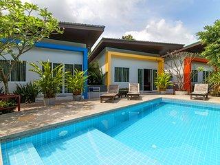 Modern 1 Bedroom & Pool, Quiet Area A