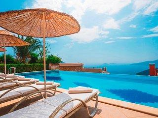 Villa Luxury Star is 5 Bedroom Luxury Villa in Turkey With Seaview and Pool
