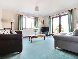 LITTLE WEDDERBURN HOUSE, stunning pond views, limited mobility access, en-suite,