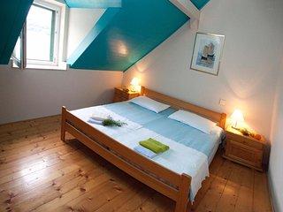 2 bedroom Villa in Pucisca, Splitsko-Dalmatinska Zupanija, Croatia : ref 5506336