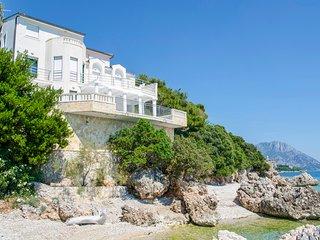 4 bedroom Villa in Kapec, Splitsko-Dalmatinska Zupanija, Croatia : ref 5623198