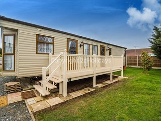 6 Berth Caravan in Breydon Water Holiday Park Ref: 10095