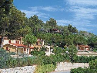 2 bedroom Villa in Barabarca, Tuscany, Italy : ref 5437692