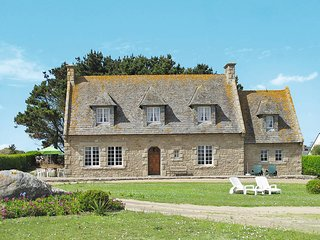 4 bedroom Villa in Cléder, Brittany, France : ref 5438055