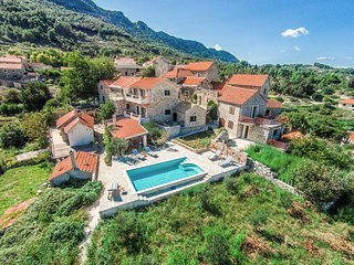 4 bedroom Villa in Pitve, Splitsko-Dalmatinska Županija, Croatia : ref 5623201