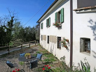 3 bedroom Villa in Pistoia, Tuscany, Italy : ref 5446830