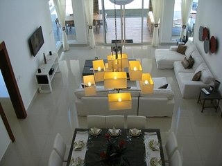 A beautiful six bedroom villa in the Caribbean with private pool and VIP service