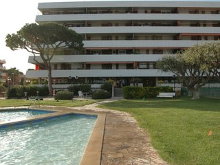 Apartment in front of the beach 30 minutes from Barcelona by train