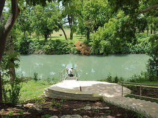 Historic Getaway on the San Marcos River
