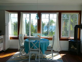 Idyllic Suite, Ocean and Island Views near Acadia