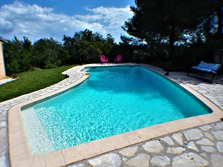 Villa Provencale swim pool,10mn from sea,nearVence