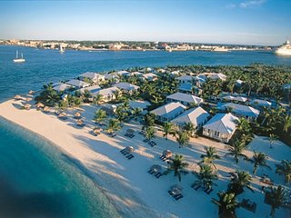 Villa Ambriana, Luxury Upscale Home Right on the Beach