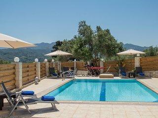 Private pool★Stone villa ★ BBQ