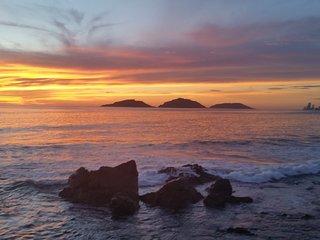 Quintas Del Mar 2 . Relaxing . Ocean Front Condo .