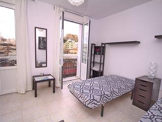 Esperanza-Central big 3 bedroom flat to Mercado,Rambla,with view to Sta Barbara